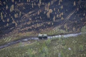 När den stora branden på Älvdalens skjutfält hade härjat i över en vecka gjordes ett väldigt oväntat test där en bomb släpptes mot brandområdet.