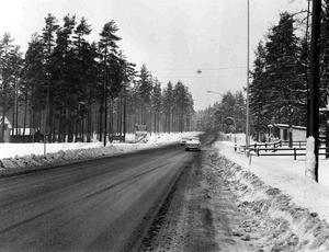 Foto: Anders Foglander Dåtidens GULF-mack i Åsbro skymtar till höger.
