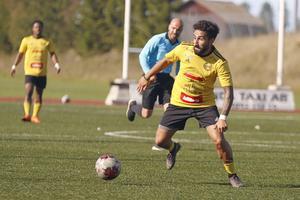 Balen Nouri lämnar Heby AIF och går till Sala FF.