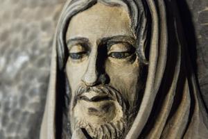 Det syns inte minst på denna bild av Jesus med sitt fridfulla ansiktsuttryck.