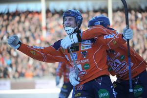 Anders Spinnars stod för ett av Bollnäs mål mot Sandviken i SM-finalen 2011. Det blev dock förlust med 5-6 efter förlängning.