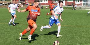 Jordan Blinco har lämnat Ytterhogdals IK på grund av hälsoskäl uppger tränaren Adrian Costello.