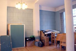 Öppningsbar vägg mellan salarna.