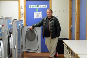 Här, i tvättrummet på Domnarvallen, har Janne Lövgren spenderat oändliga mängder tid. Det kommer han att fortsätta med.