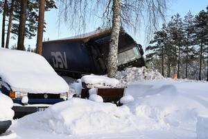 Det är inte första gången lastbilar och andra fordon hamnar i diket vid Göran Bergmans hus.
