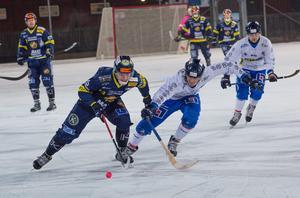 Lukas Mårdberg blev stor segerorganisatör för Falu BS mot Unik med sina fyra mål.