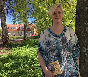 Linnéa har många parallella projekt. I sommar spelar hon en nybyggarhustru i en vilda västern-föreställning i Småland.