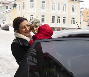 Berivan Mohammed med sonen Loran flyttar snart till Göteborg. Hon blir kvar med en fot i Sundsvall genom företaget AlphaCE där hon blir ny säljchef och del av ledningsgruppen. Jobbresor blir det bland annat till Sundsvall.