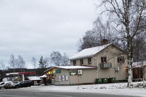 Närbutiken i Ramsjö är en samlings- och servicepunkt för Ramsjöborna. Här kan de uträtta många ärenden.