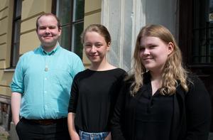 Att efter första röstningen få rösta två gånger till på ett drygt halvår är det inte många som fått göra. Men det har (från vänster i bild) Stephen Pettersson, Ebba Hedström och Ellinor Bäckström.
