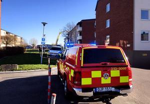 Räddningstjänst och polis larmades till Valhallagatan.