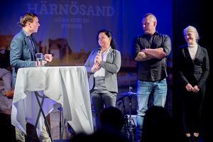 Nystartade NFK Bellum berättade om sitt stödboende. Från vänster konferencier Tobias Wikström, Åsa Lidén, Andreas Fahlberg och Karin Pistokoski.