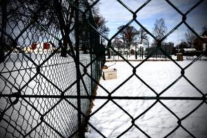 Ängaryds idrottsplats i Tranås är en tillgång! Bygg padelbanor, men inte på bekostnad av tennisbanan, skriver insändarskribenten. Foto: Emelie Makrill