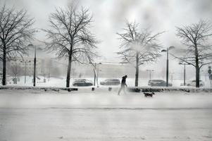 Snöovädret slog till med full kraft mot länet. På fredagen hittades tre äldre personer döda utomhus i Ångermanland.