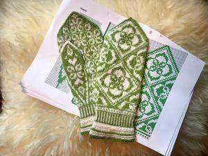Jenny Alderbrant tycker det är roligt att skapa egna mönster.