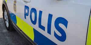 Polisen har gripit en man misstänkt för stölden.