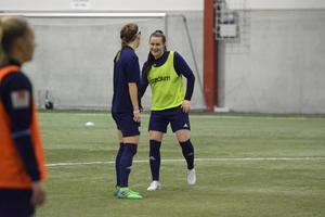Denise Sundberg är tillbaka på fotbollsplanen.