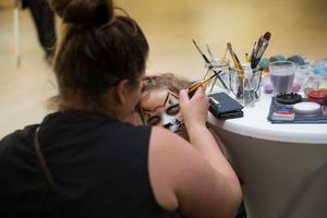 I Telgehuset passade många på att förvandlas – med hjälp av ansiktsmålning.
