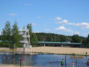 En solig sommardag på Karlsundsbadet