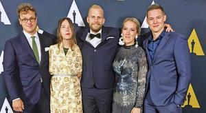 Från vänster: Axel Nygren (manus) Amanda Högberg (manus) Jonatan Etzler (regi) Nea Asphäll (fotograf) Johan Lundström (producent) . Foto: Privat