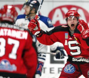 Foto: Arkiv. Anders Burström jublar efter att ha överlistat Leksand.