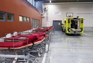En bedömningsambulans skulle kunna frigöra tid för de vanliga ambulanserna och även kunna avlasta akutmottagningen.