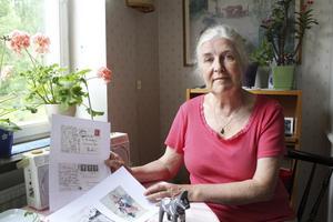 Översatte till svenska. Siri Bartusch har översatt Elis Dahlgrens samlingar från esperanto till svenska. Samlingarna finns på gamla Vikmanshyttan i Dalarna.