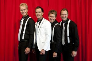 Dansbandet Donnez spelar i Kyrkdal.Foto: Pontus Lundahl