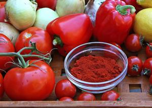 Paprika, tomater och lök är viktiga ingredienser i ungersk matlagning. Generellt är maten välkryddad och kraftfull i smaken.    Foto: Dan Strandqvist