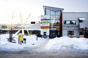 Klart 2001. Det gamla centrumet, där varje butik hade egen ingång, revs och Råby fick en galleria. Foto: Magnus Östin