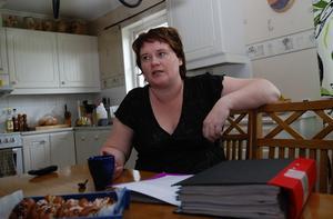För nästan två år sedan förlorade Lisa Olveby sin dotter. Efter en lång tid av psykisk sjukdom valde Jessica att ta sitt liv. Nu vill hennes mamma förbättra psykvården och försöka hjälpa andra. Foto:Staffan Alberts