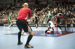 Alexander Carlström tog in Falun i matchen med sina två mål i början av tredje perioden.