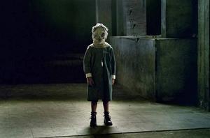 Barnhemmet (2008). En kvinna flyttar med sin familj in i ett gammalt barnhem där handikappade barn vårdades. Snart börjar hennes son kommunicera med någon, eller något, som fortfarande finns där.