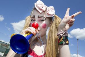 Maja Holmström medverkade till att karnevalen hördes.