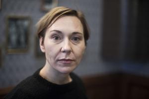 Jessica Liedberg gestaltar Ester Nilsson i Scalateaterns uppsättning av romanen Egenmäktigt förfarande.