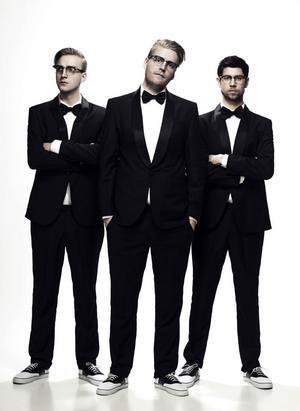 Av de mest uppbokade svenska liveartisterna jobbar den swingjazziga hiphop-trion Movits hårdast av alla. De gör 30 spelningar under tre månader.