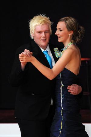 Kvällens kung och drottning fick inleda dansen med en wienervals.