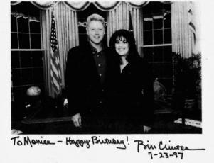 Nästan avsatt. Uppgifter en Matt Drudges blogg för nästan tio år sedan höll så när på att kosta Bill Clinton presidentskapet.