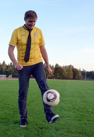 Fotbollen och uppgiften som tränare för Avesta AIK s flick- och damlag ger  kommunalråd 4961b06916a52