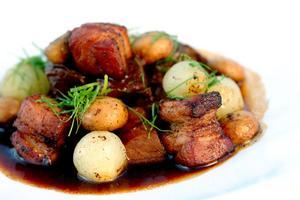 Martins råd är att satsa på en riktigt fin bit högrev och koka en god gryta - långsamt och länge.