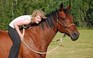 BARBACKA. Isabella på sin 10-åriga häst Barthez.