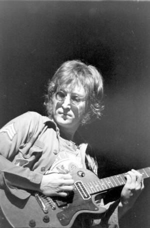 John Lennon skulle ha fyllt 70 år den 9 oktober. Hans minne lever kvar starkt och tycks inte vara på väg att glömmas bort. Foto: Pressens Bild