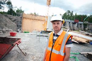 Jonas Olsson, platschef på bygget. Foto: Elin Hofferek.