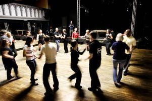 RYTM. Gävle har bra rytm, tycker dansläraren Julio Espinal från Sundsvall.