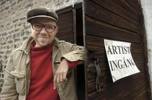 För årets konsert vid Folk o Dans i Svabensverk svarade den uppskattade artisten Tomas Andersson Wij.
