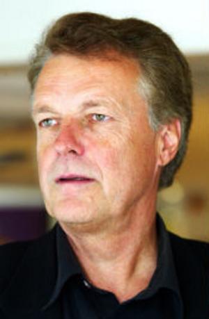 Platschefen Tomas Forsgren tror att Sundsvall klarar sig bättre än många andra ortern när Telia skär ner.