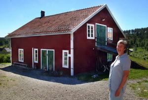 Den gamla ladugården i Skylnäs öppnas om någon månad som ett nytt pensionat