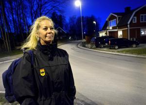 Nu har besparningarna gått för långt tycker nattsjuksköterskan Ingela Steiner.