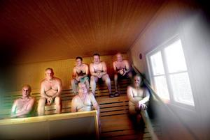 Badbyxor är snuskigt. Enligt svensk bastutradition ska man var klädd fe16b47cc2e0b