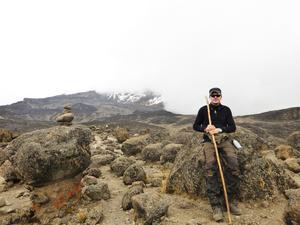 Johan Stråhle gjorde klättringen upp till toppen av Kilimanjaro, 5895 meter över havet.
